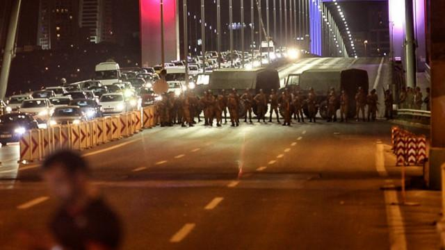 160715204522_istanbul_coup_attempt_640x360_getty_nocredit