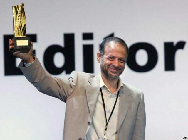 akbar-ganji-wins-500000-dollar-prize-iran-640x479